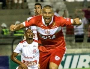 Neto Baiano, atacante do CRB (Foto: Ailton Cruz/Gazeta de Alagoas)