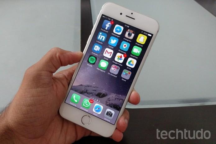 iPhone 6 dificilmente trava e tem bom desempenho (Foto: Lucas Mendes/TechTudo)