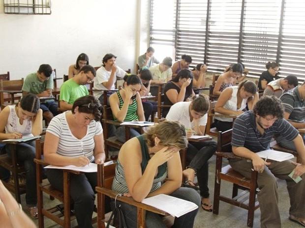 concursos sala candidatos fazem prova (Foto: Biné Morais/O Estado)