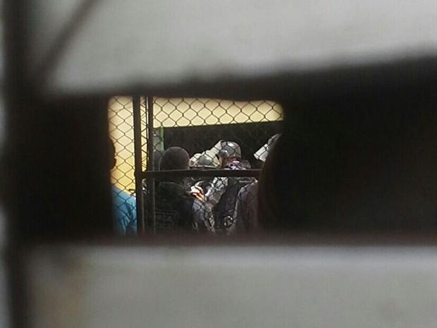 Choque da PM no Complexo Penitenciário de Pedrinhas, em São Luís (Foto: Giovanni Spinucci / TV Mirante)
