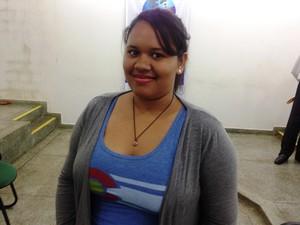 Estudante Adrian Barbosa disse que experiência ajudará na carreira de administradora (Foto: Cassio Albuquerque/G1)