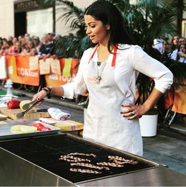 Camila Alves ensina duas receitas brasileiras em programa de TV americano (Foto: Reprodução/Instagram)