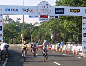 Prova feminina Copa América de ciclismo Luciane Ferreira Clemilda Ferandes e Valquíria Pardial (Foto: Ana Carolina Fontes)