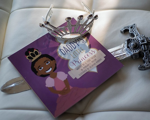 """O livro """"A Princesa do Papai"""" foi escrito por Morgan e seu pai (Foto: Divulgação)"""