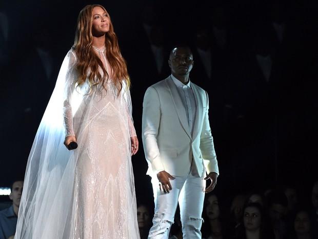 Beyoncé no Grammy 2015 (Foto: John Shearer/AP)
