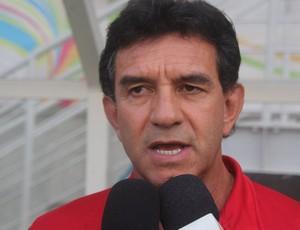 Guilherme Macuglia técnico do América-RN (Foto: Fabiano de Oliveira)