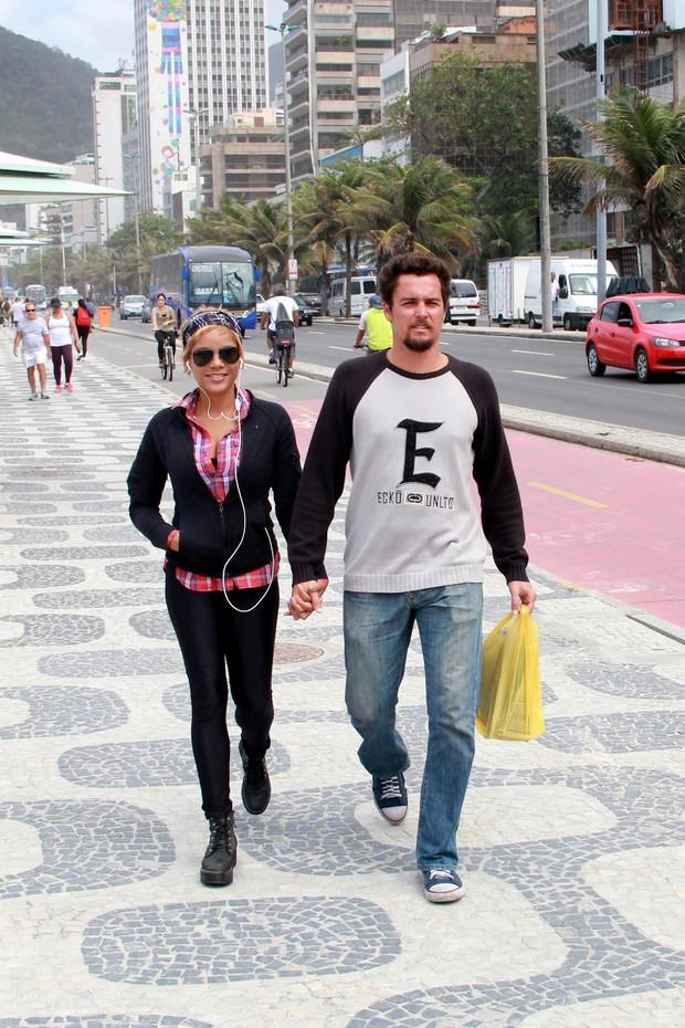 Felipe Dylon e Aparecida Petrowky (Foto: JC Pereira / AgNews)