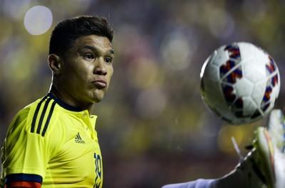 Sem Copa América, Timão ganha trunfo para acertar com Teo Gutiérrez