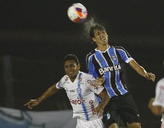 Pedro Geromel volta ao Grêmio após mais de três meses (Foto: Lucas Uebel/Grêmio)