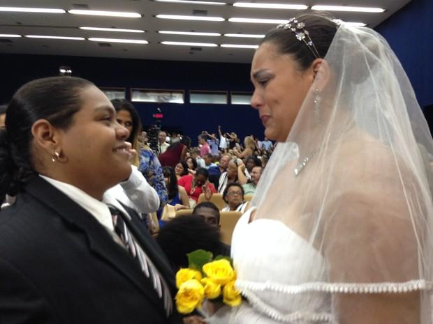 Primeiro casamento civil homoafetivo reuniu 130 casais no auditória do Tribunal de Justiça do RJ (Foto: Daniel Silveira/G1)