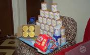 Mãe consegue latas de leite especial para filha intolerante à lactose