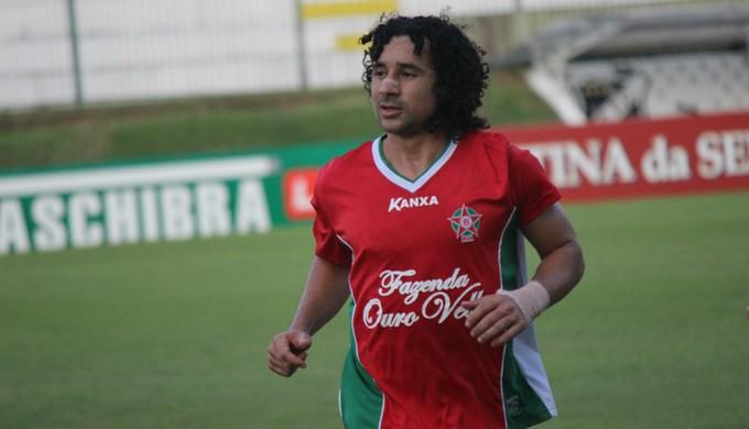 Clebson - meia do Boa Esporte (Foto: Augusto Gomes/GloboEsporte.com)