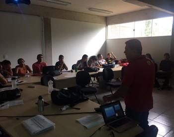 Feav realiza curso de arbitragem com Clodoado Castro e George Kuroki (Foto: Feav/Divulgação)