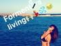 Nicole Scherzinger exibe boa forma em foto de passeio de lancha em Ibiza