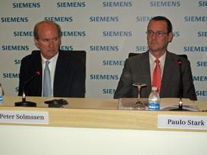 Peter Solmssen, presidente da Siemens para as Américas. Paulo Stark, presidente da Siemens no Brasil (Foto: Lilian Quaino/G1)