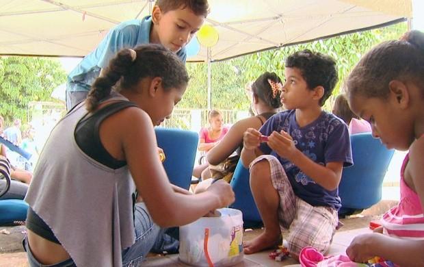 Associação 'Mães, anjos de luz' arrecada brinquedos para crianças (Foto: Roraima TV)
