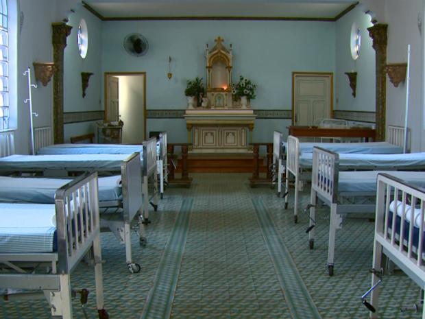 Capela da Santa Casa foi transformada em enfermaria em Aguaí (Foto: Eder Ribeiro/EPTV)