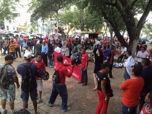Entidades voltaram às ruas para protestar contra PL da terceirização (Foto: Gustavo Almeida/G1)
