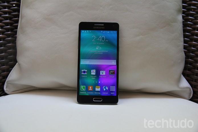 Galaxy A3, smartphone da Samsung (Foto: Gabriella Fizman/TechTudo)