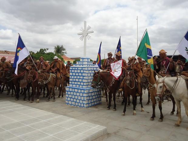 Vaqueiros participam do novenário do Senhor Bom Jesus (Foto: Secretaria de Cultura e Esportes de Salgueiro/Divulgação)