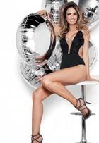 Aos 44 anos, Luciana Gimenez usa biquíni e mostra boa forma em revista