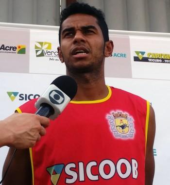 Tiaguinho, lateral-esquerdo do Galvez (Foto: Duaine Rodrigues)