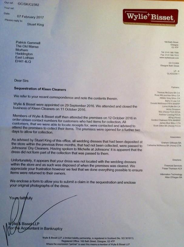 Carta da lavanderia falando sobre os procedimentos após encontrar o vestido (Foto: Reprodução/Facebook)