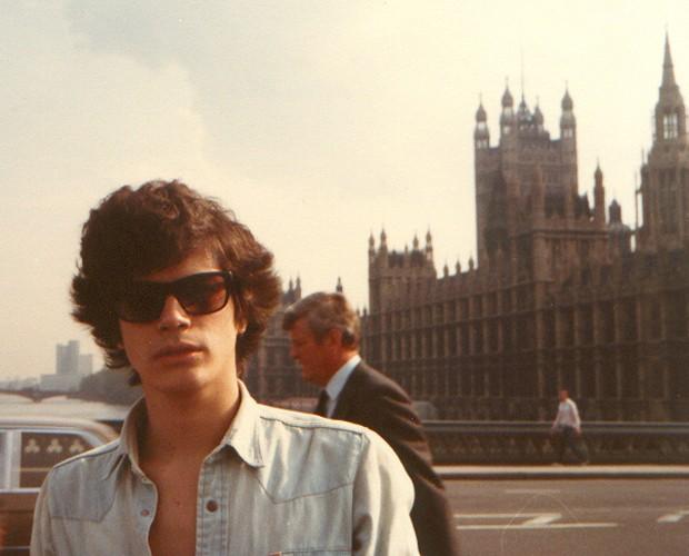 Cantor mudou-se para ser correspondente de música para revistas no Brasil (Foto: Arquivo Pessoal)