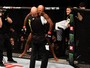 Wilson Reis não toma conhecimento de mexicano e finaliza no UFC 201