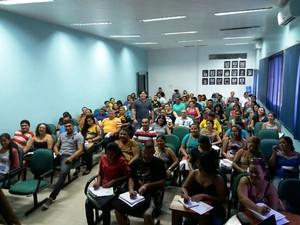 Projeto oferece aulas preparatórias para concursos públicos