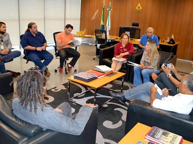 A presidente da Câmara do DF, Celina Leão, divulga os 12 finalistas do Troféu Câmara Legislativa, que integra a Mostra Brasília do Festival de Brasília do Cinema Brasileiro (Foto: Assessoria Celina Leão/Divulgação)