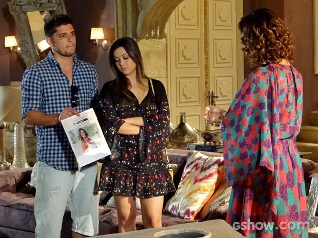 André encara Branca com Bárbara (Foto: Em Família/ TV Globo)