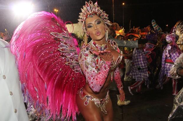 Gracyanne Barbosa na dispersão (Foto: Celso Tavares/ EGO)