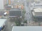Com chuva, trecho em obras vira ponto de alagamento em Fortaleza
