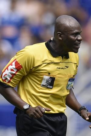 Jailson Macedo Freitas árbitro (Foto: Douglas Magno)