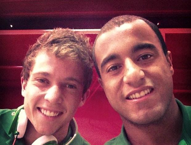 Lucas e Bernard (Foto: Reprodução / Instagram)