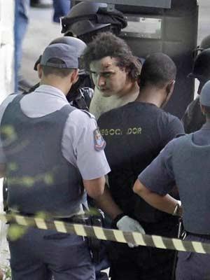 Fernando Gouveia se feriu durante tentativa de evitar internação (Foto: Nelson Antoine/Fotoarena/Folhapress)