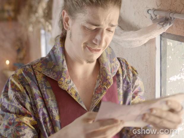 Ferdinando se emociona ao ler a carta (Foto: Meu Pedacinho de Chão/TV Globo)
