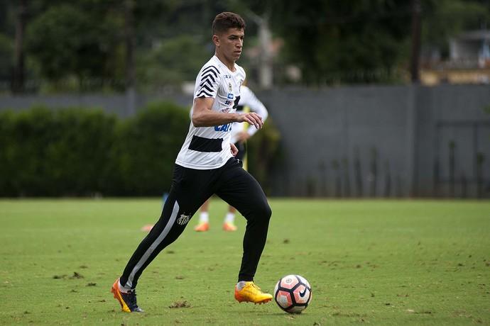 e5ccd45338 Vitor Bueno em treino do Santos (Foto  Ivan Storti Divulgação SFC)
