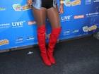 Ludmilla usa microshort e top para participar de show no Rio