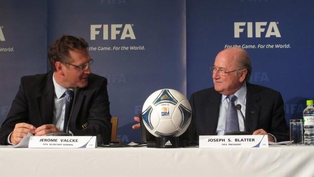 Jérôme Valcke e Jospeh Blatter em Tóquio (Foto: Thiago Dias/Globoesporte.com)