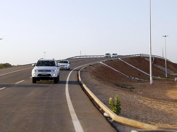 Governo entrega viaduto do Complexo da Abolição (Foto: Rayane Mainara)