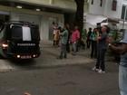 Corpo de José Wilker deixa apartamento na Zona Sul do Rio