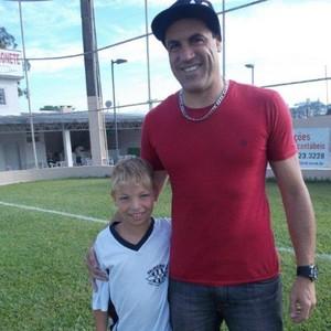 Caio Xavier com o primo Finazzi (Foto: Júlio Xavier/Arquivo pessoal)