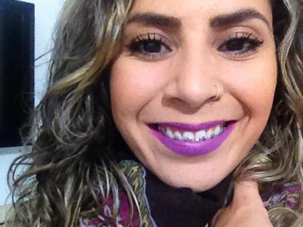 Cantora Carol Lima se apresentava em bares da Baixada Santista (Foto: Arquivo Pessoal)
