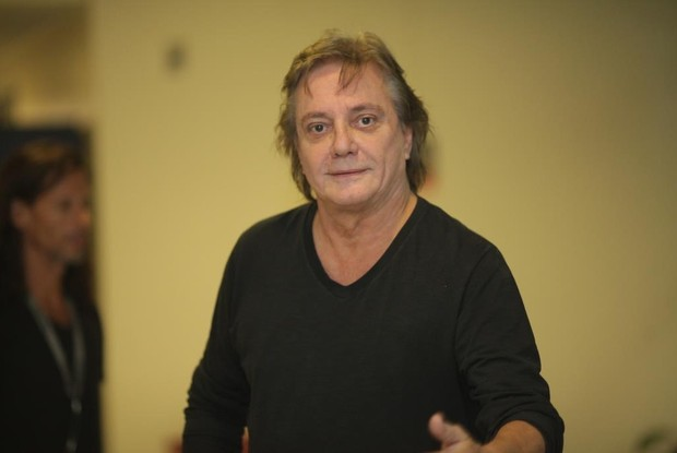 O juradi Fábio Jr. chega ao estúdio do SuperStar no Projac (Foto: Dafne Bastos / TV Globo)