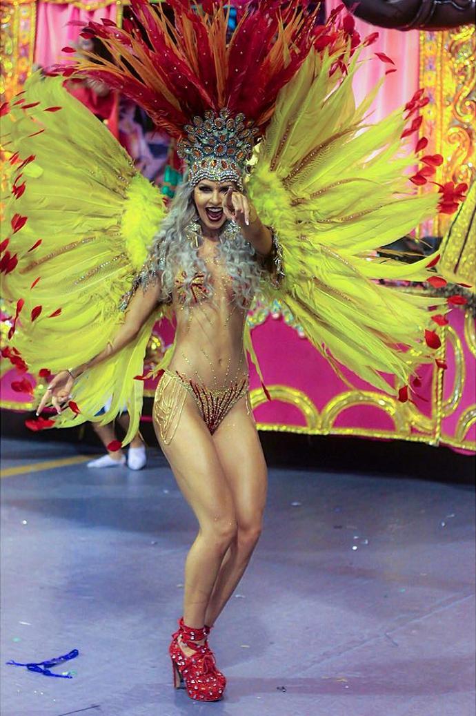 Tatiele Polyana arrasando na avenida, em fevereiro deste ano (Foto: Arquivo pessoal)