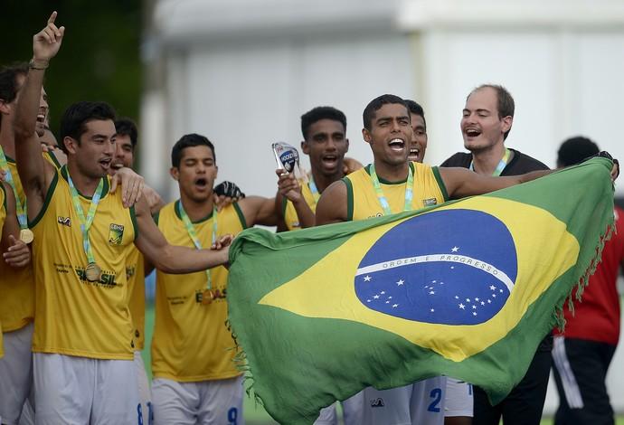 Após vaga olímpica, Brasil conquistou o título no evento-teste para os Jogos do Rio (Foto: Alexandre Loureiro)
