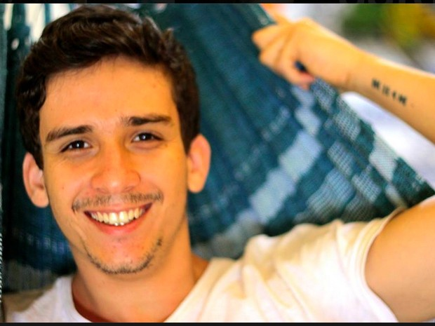Henrique Amaral Roza, de 23 anos, desapareceu nesta sexta-feira (15) após mergulho na Praia de Itacoatiara, em Niterói. (Foto: Reprodução)
