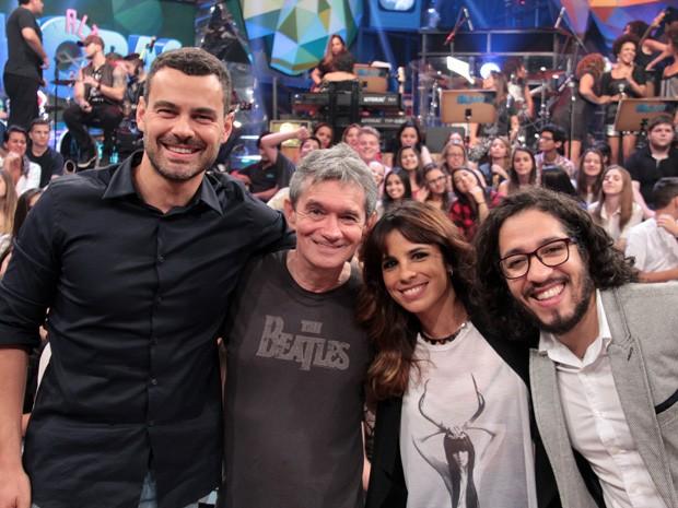 Serginho recebe Carmo Dalla Vecchia, Maria Ribeiro e Jean Wyllys (Foto: Marcos Mazini/Gshow)